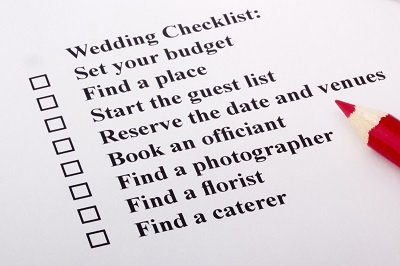 Scheduling a Wedding DJ For Your Special Day