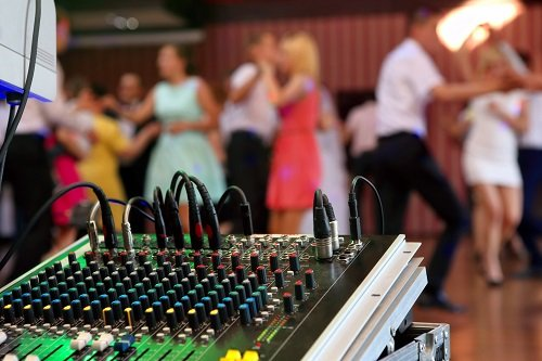 Top Questions You Need To Ask Your Wedding DJ
